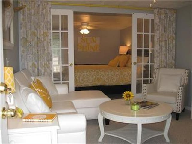 Sunshine Master Suite
