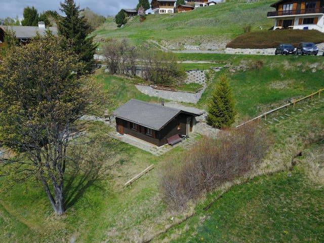 Pavillon-chalet aux Mayens de Mase (Valais Suisse)