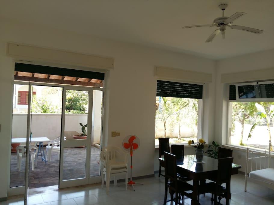 Sala soggiorno con letti singoli (sala 4)