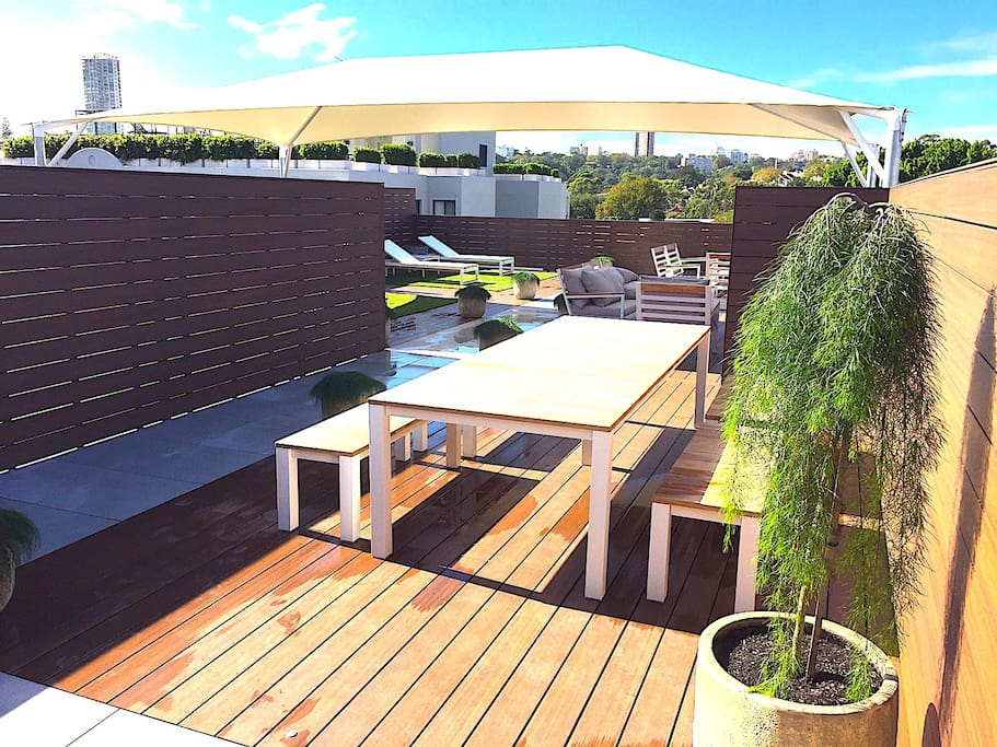 Roof deck inc Lounge, seating Eating & BBQ facilities