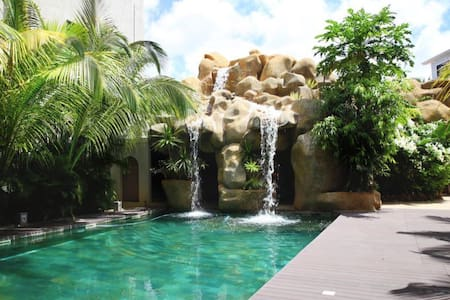 Spacious 3 Bedroom Luxury Apartment - Flic en Flac - Apartment