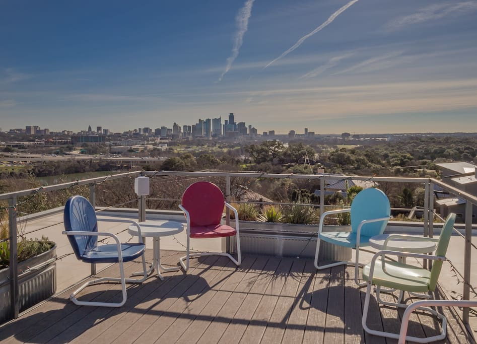 Rooftop Deck with Downtown views of Austin!!!