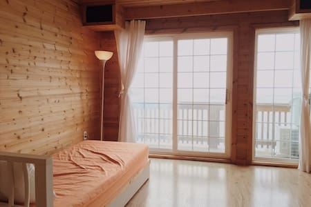 Loghouse Duplex, really close to the Sea! - Jinseo-myeon, Buan - Cabane