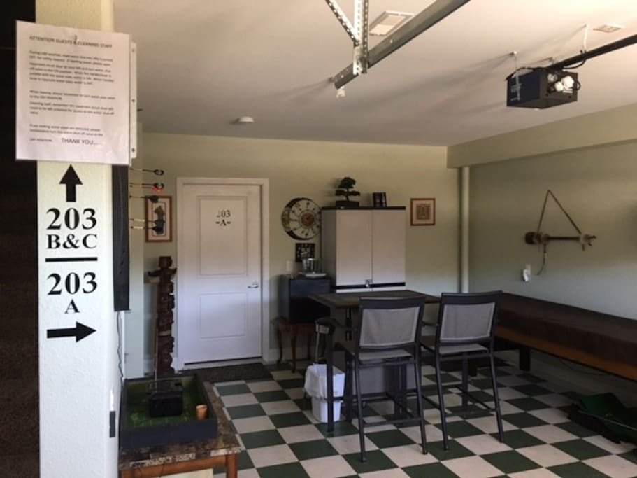 Entry and Game Room1