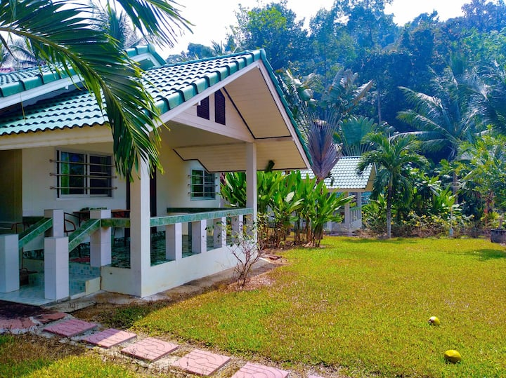Villa Blue Sapphire resort, Koh Chang