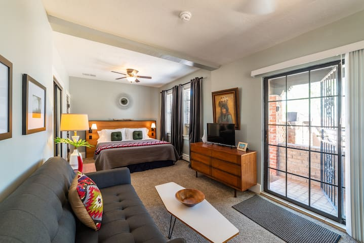 Marble Avenue Suite