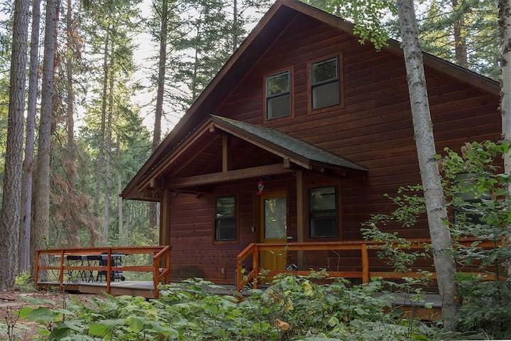Northwoods Sanctuary. Sauna house included!