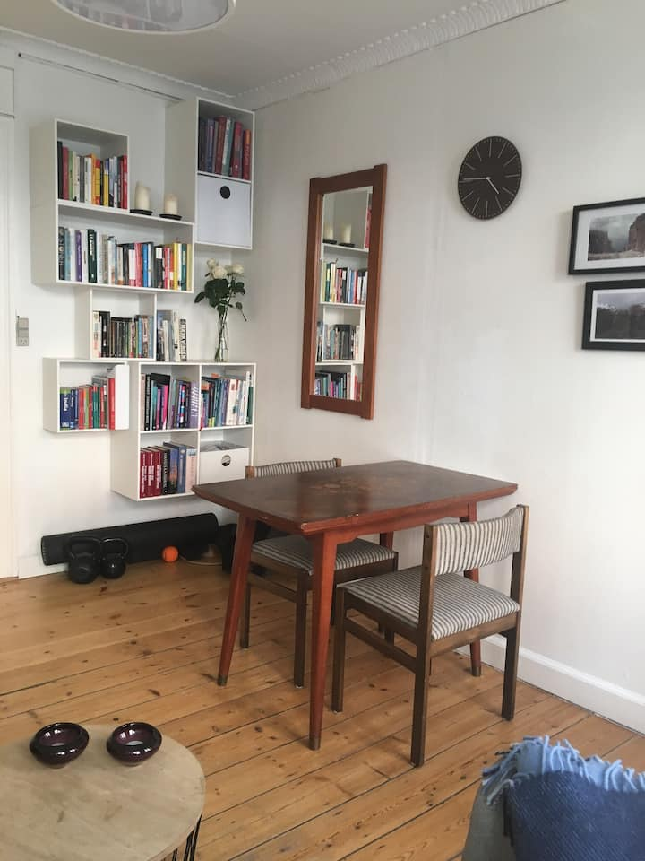 Cosy classic Vesterbro apt 900 m from Central St.