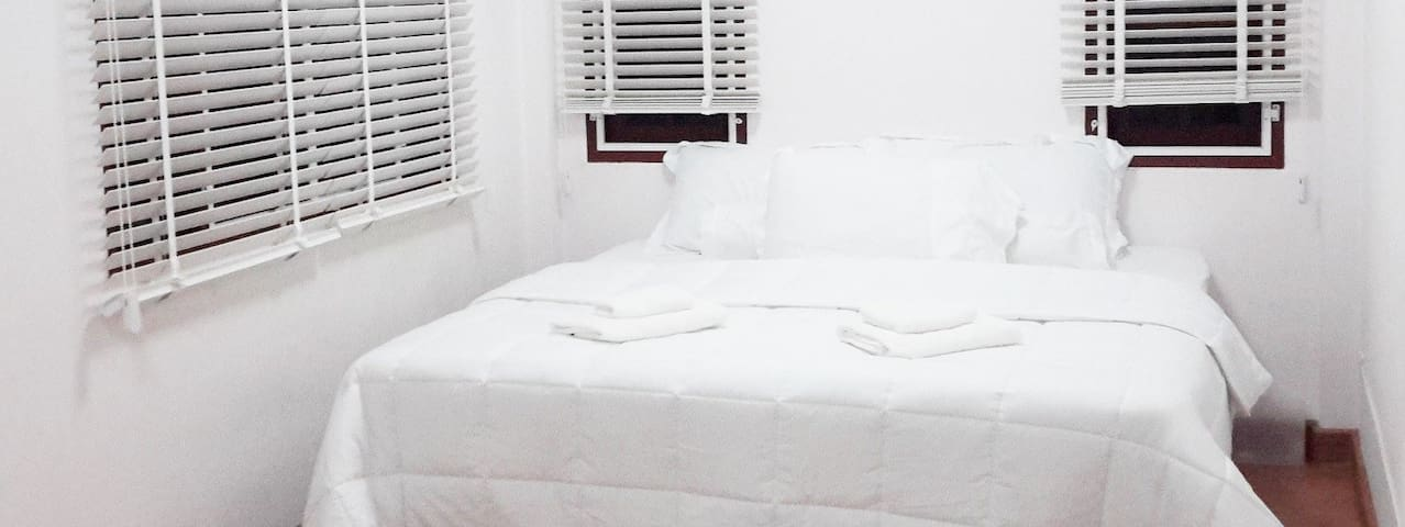 Quiet master or balcony room for 2 people - Banguecoque - Casa