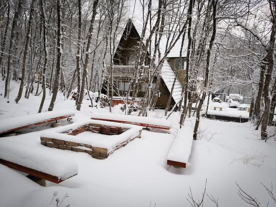 Winter - Spacious Firepit area