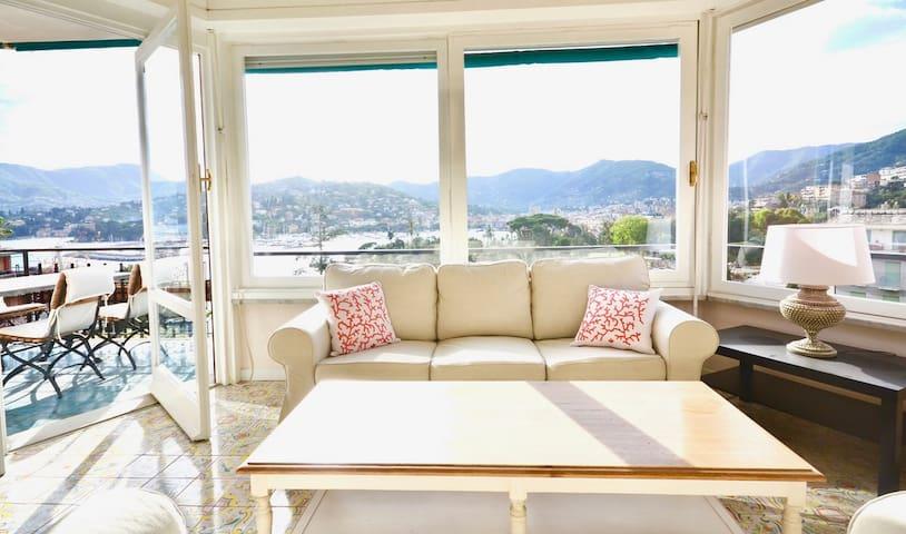 Casa con vista mare, wifi, aria condizionata!