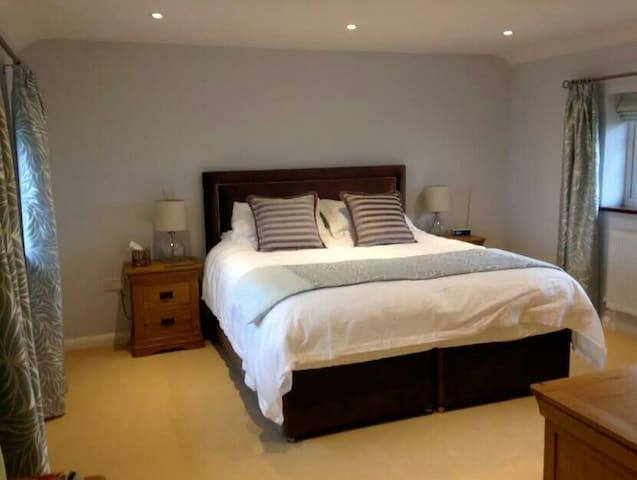 Modern, spacious room - Springfield - Rumah