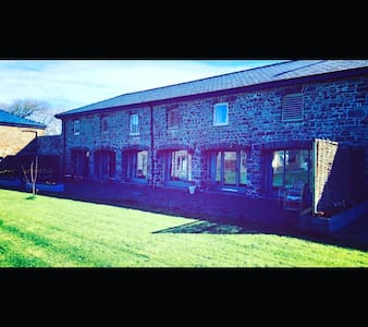 5* 4 Bedroom converted barn conversion - Haverfordwest - Andre