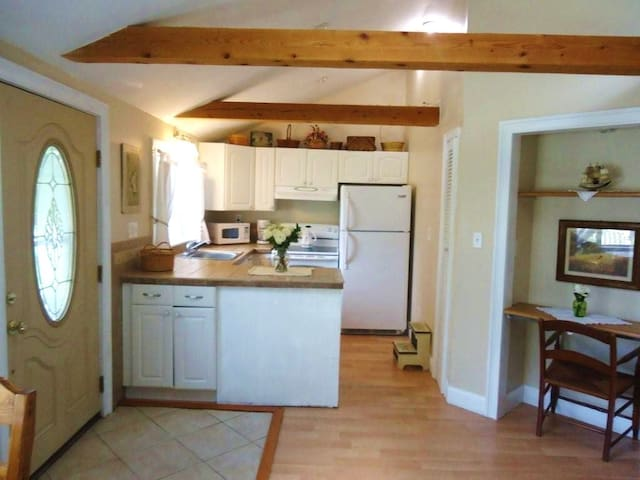 The Lake Cottage in Northwood, New Hampshire - Northwood - Guesthouse