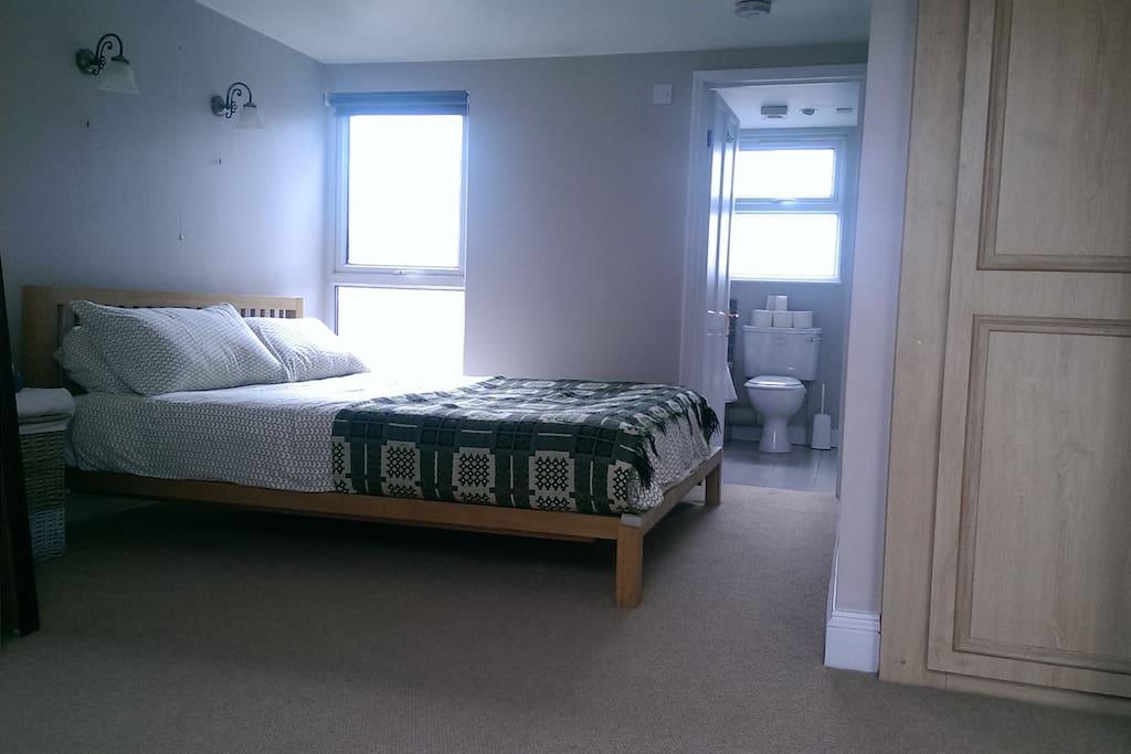 Lovely double loft room with en suite