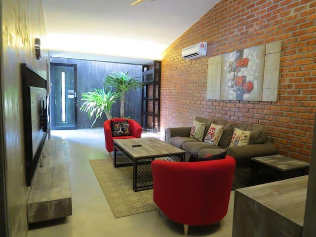 The Owl Homestay (Individual Room) - Kuala Lumpur - Rumah