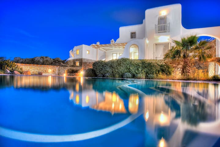 Luxury Villa  Lito with Shared Pool