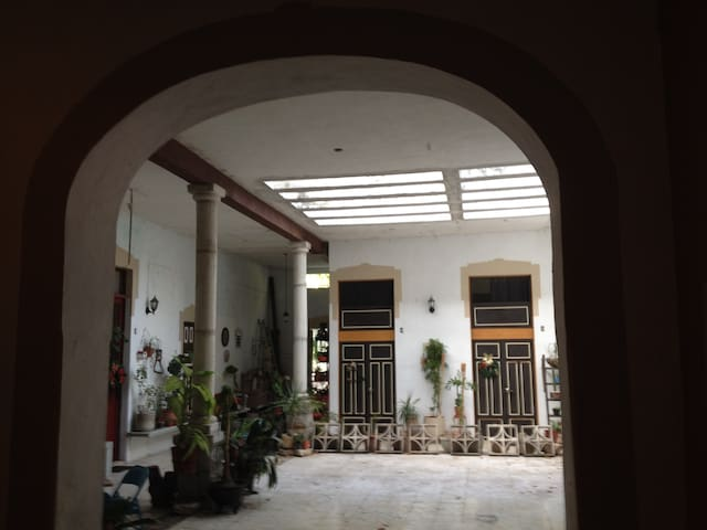 casa santiago, habitacion amueblada - Merida - Casa