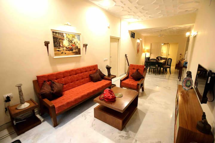 Ekdant A- modern apt with heritage touch