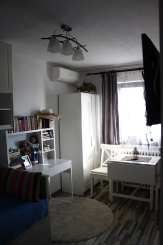 My cosy home, 8 min away from metro station - București - Byt