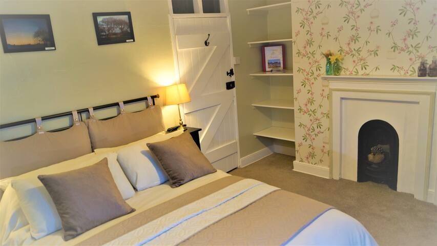 The Hampshire double en suite room
