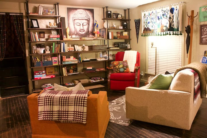 Entire Home Heart of OKC-Accommodating Host