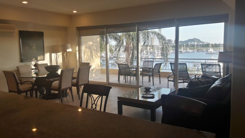 Condominio de 3 recamaras en Marina Mazatlan - Mazatlán - Apartemen