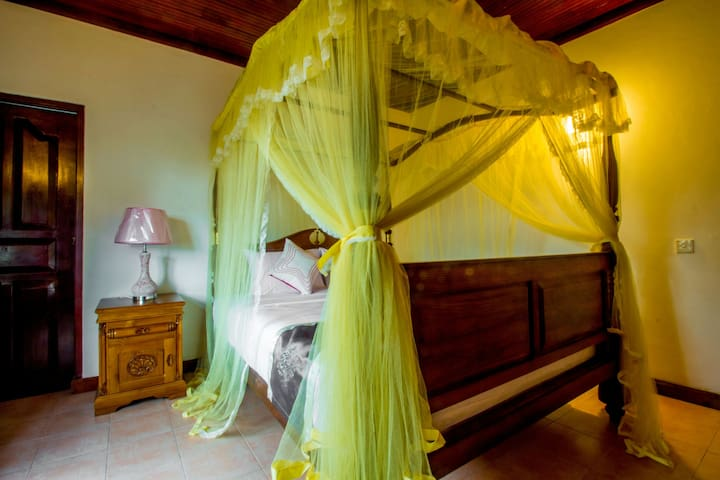 Luxurious Double Room - Kandy - Bed & Breakfast