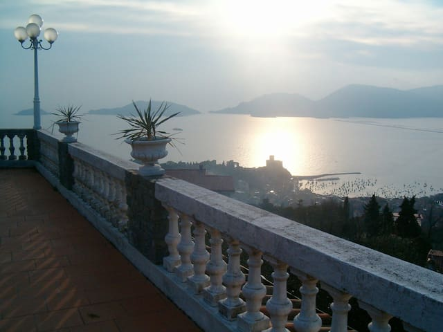 LERICI, EXCLUSIVE B&B LE CODINE: STUNNING SEA VIEW - Lerici