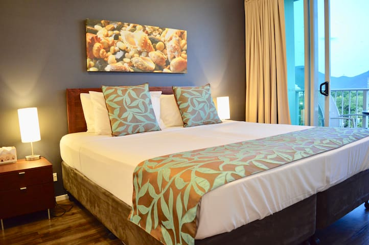 Your pillow top King size bed with hotel quality linen.