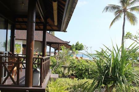 Mega Cottage - Nusapenida
