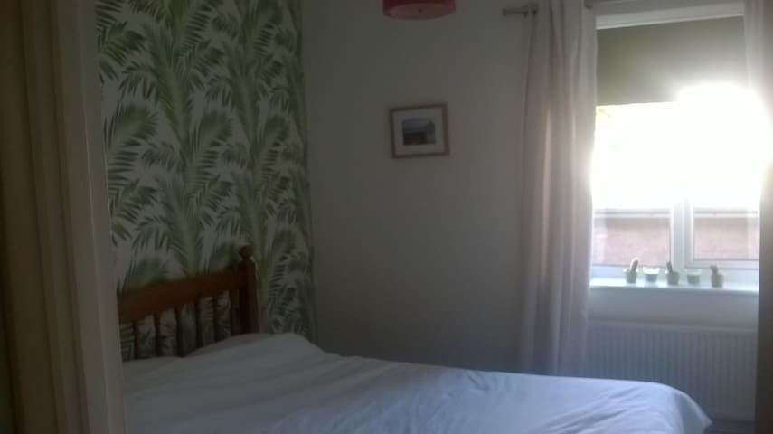 Chesham Double Room - A lovely room in the Country