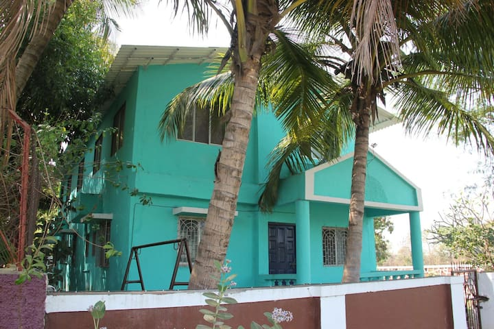 Groups and family bonding getaways. - Alibag - Bungalow