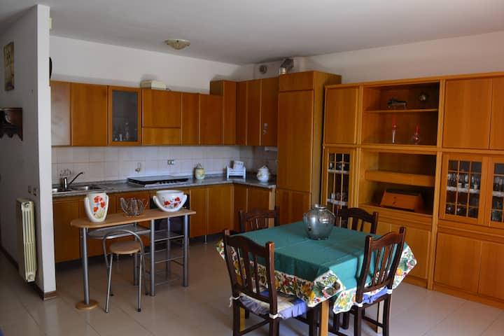 Casa spaziosa e luminosa per 2/3 persone a Sarzana