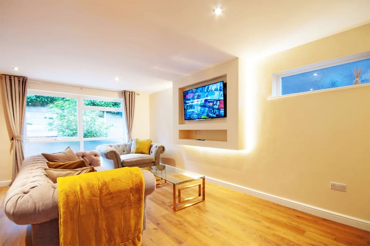 Luxury 3 Bed City-Centre House With Free Parking