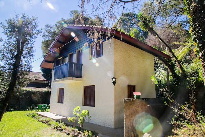 Monte Verde - Casa tranquila - 2 dormitórios