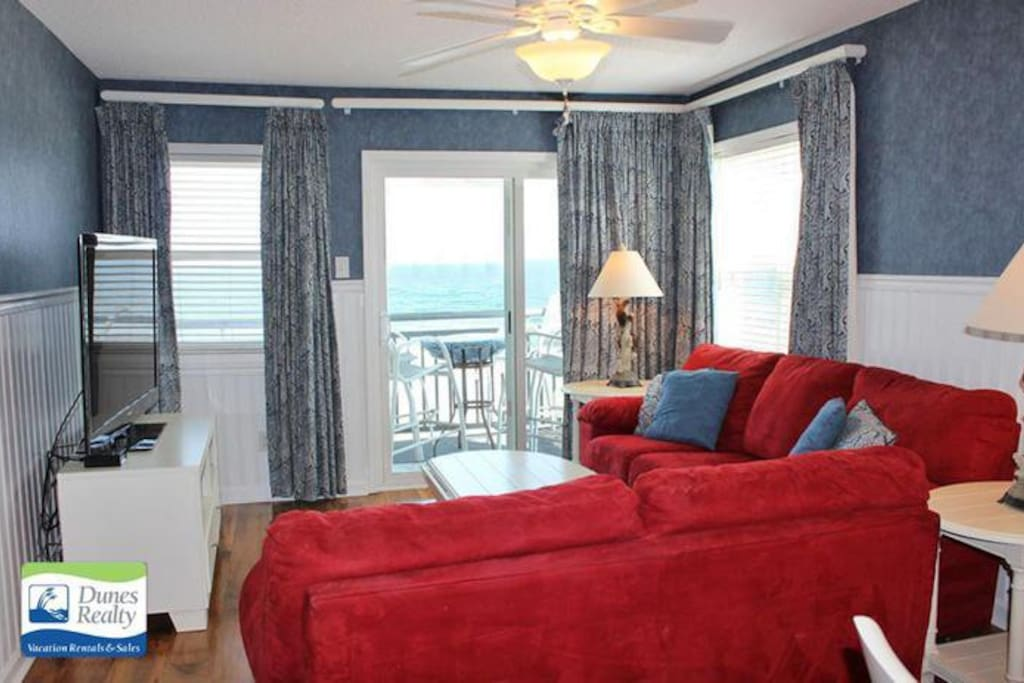 Living Room with Ocean View, Access to Balcony
