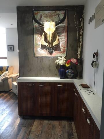 大悦城鼓楼地铁西南角站公寓沙发 - 天津 - Apartment