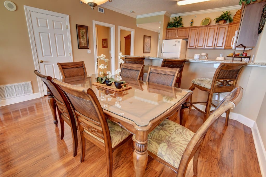 Dining Table,Furniture,Table,Hardwood,Chair