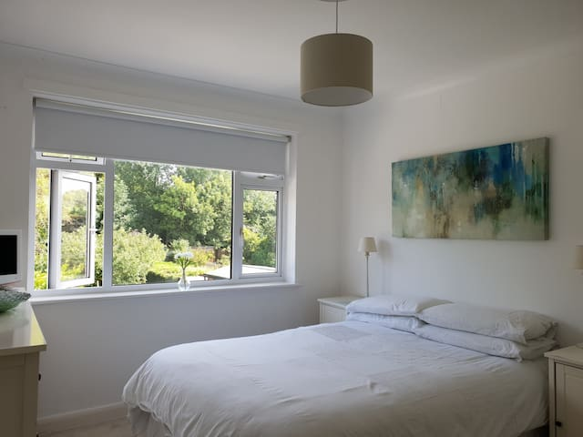 Tranquil private bedroom Bromley, Greater London