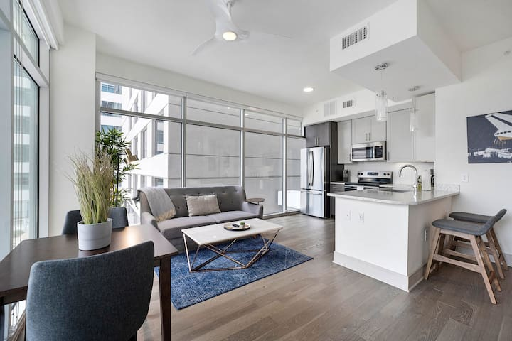 Locale | Houston Medical Center | 2BR Suite + Gym