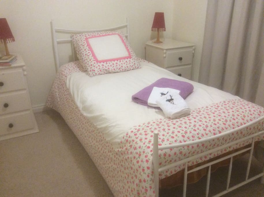 Single bed private room