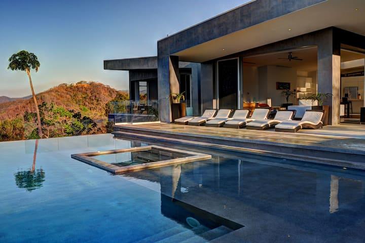 Gorgeous Modern Hillside Villa w/ Infinity Pool!