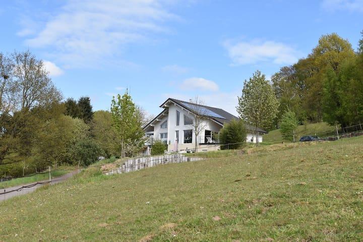 Pintoresca casa de vacaciones en Varsberg con terraza