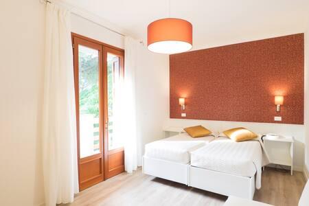 ACO37 Modern Elegant Family Room with Breakfast - Lignano Sabbiadoro