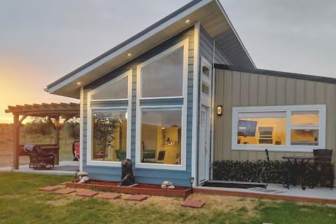 """Great Falls New """"Little Modern House OnThePrairie"""""""