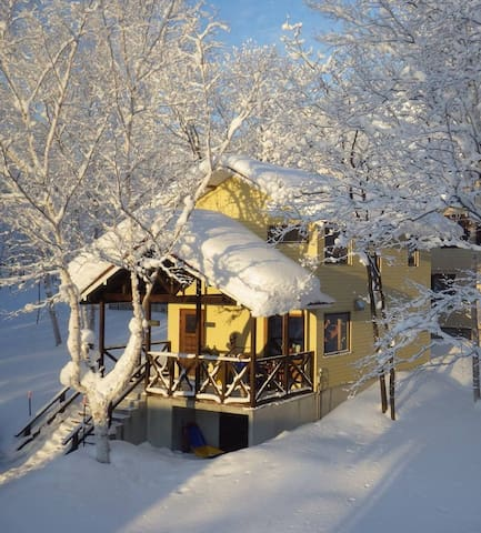 BUNKHOUSE NEAR HIRAFU SKI SLOPES NISEKO [SLEEPS 6] - Kutchan-cho, Abuta-gun