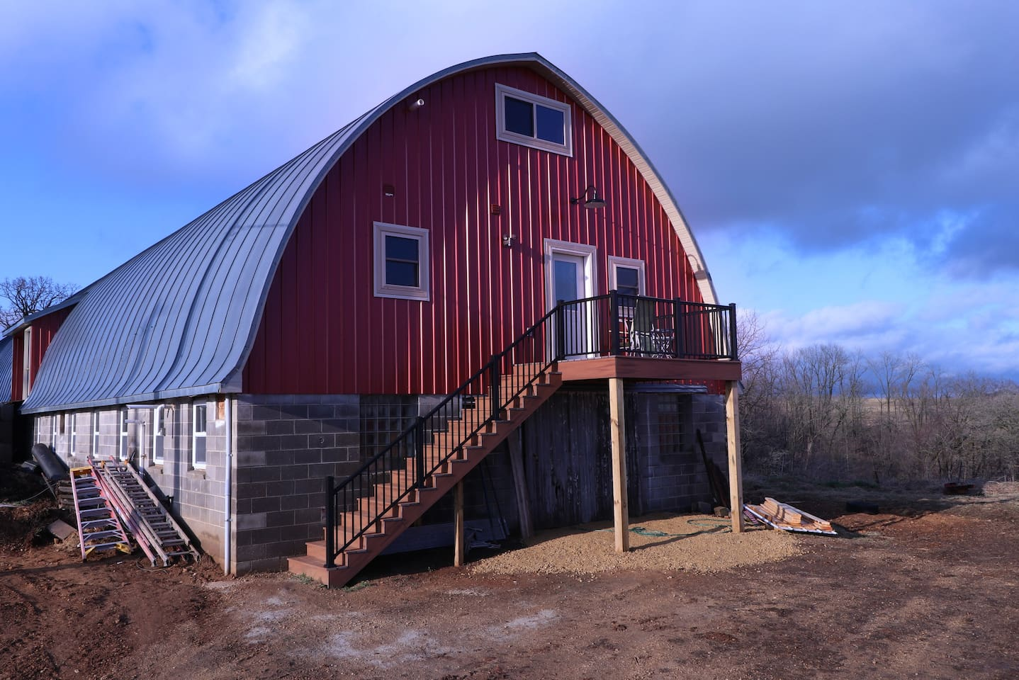 Our barn house is located in our barn's haymow. Guest can park to the side or in front of the barn. We also have patio furniture for guest to sit back, relax, and enjoy the beautiful country weather and view.
