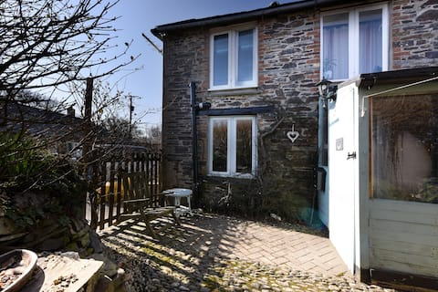 Perfect holiday bolt hole for 2/4 people