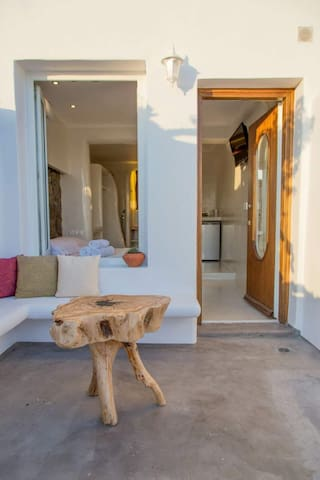 Deluxe suite for 2 agios Stefanos mykonos